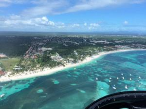 plaża w Bavaro podczas lotu helikopterem